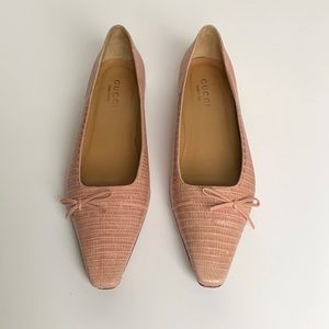 GUCCI Pink Snake Print Leather Loafers w/ Bow